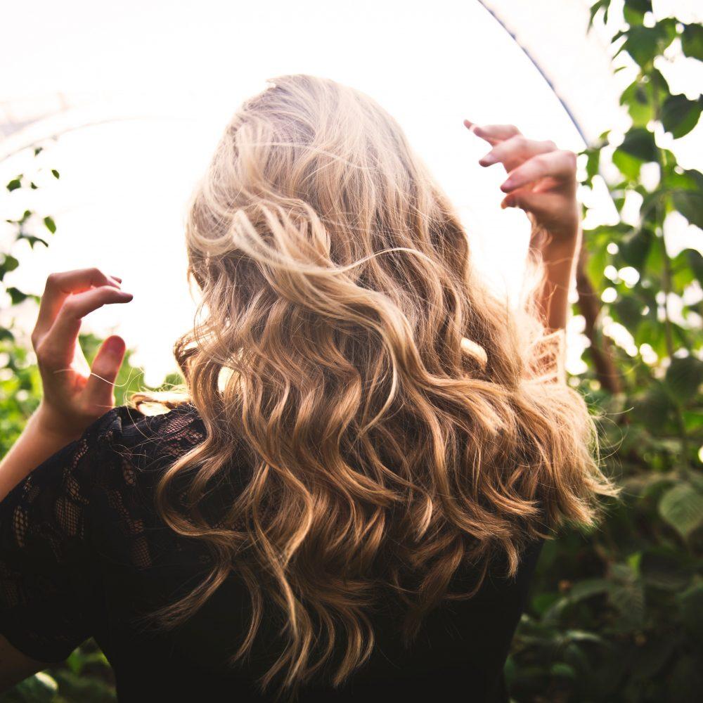 3. Vlasy